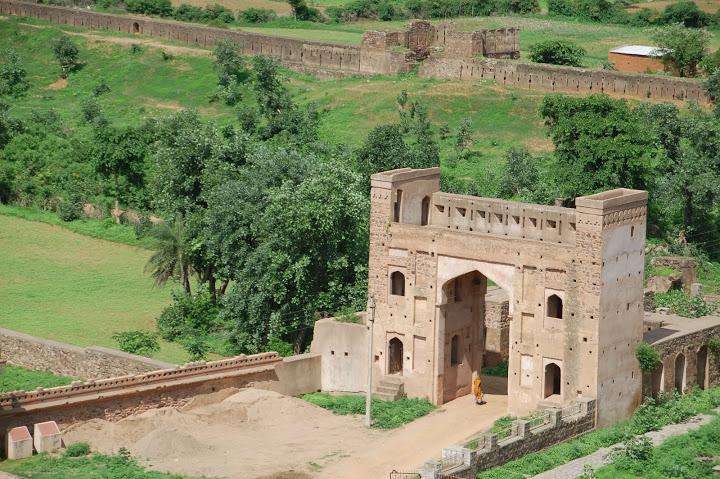 India - Khajuraho - Gate