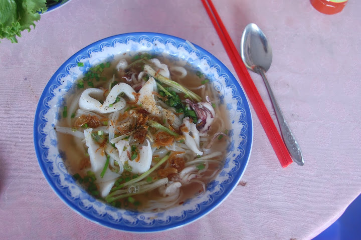 Vietnam - Mui Ne - Fresh Squid Noodle Soup
