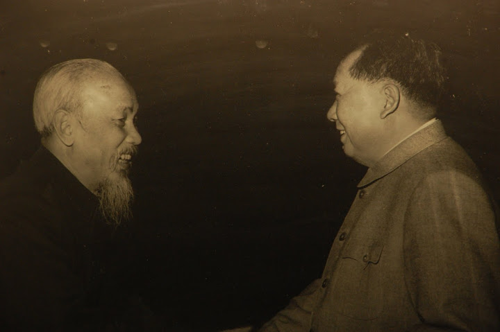 Uncle Ho and Chairman Mao