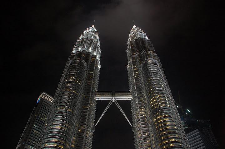 Malaysia - Kuala Lumpur - Petronas Twin Towers 3