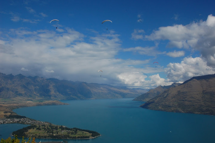 New Zealand - Queenstown - Paragliders