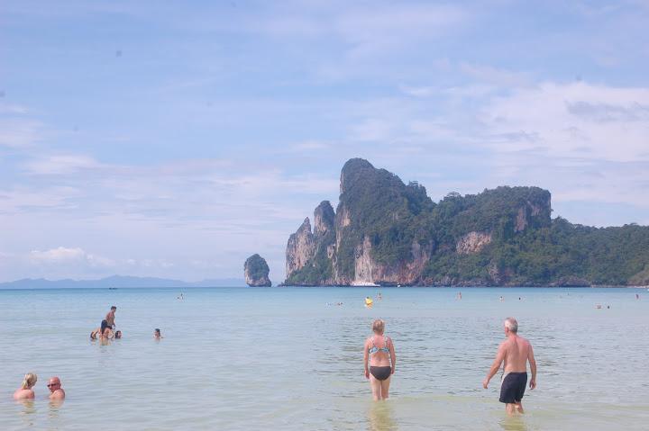 Thailand - Koh Phi Phi - Main Beach