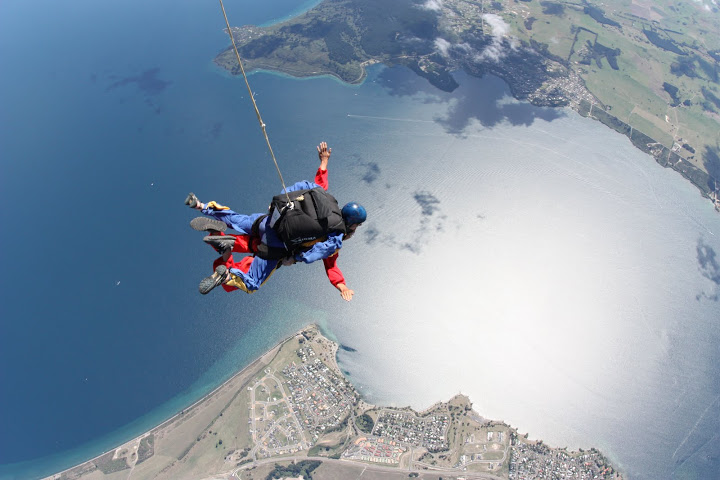 New Zealand - Taupo - Skydive over the lake