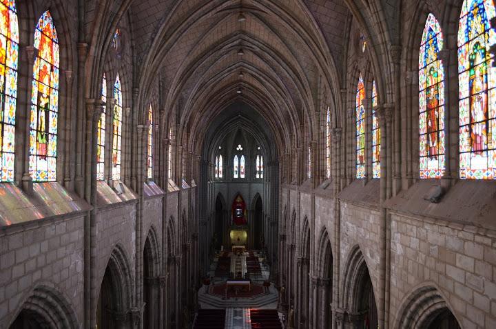 Ecuador - Quito - Inside the Basilica