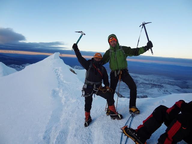 Bolivia - La Paz - Huayna Potosi - Victory pose!