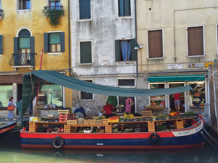 A standard floating market in Venice