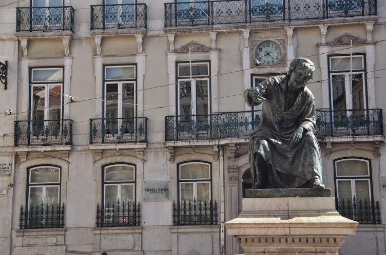 Statues can be found in many squares in Lisbon